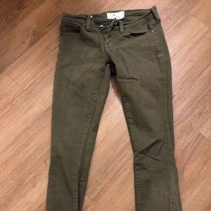 Lucky Brand Charlie Super Skinny Olive jean Size 0